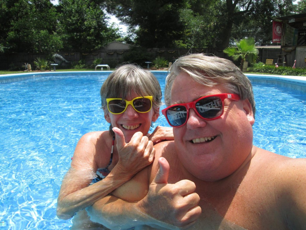 thumbs up in the pool